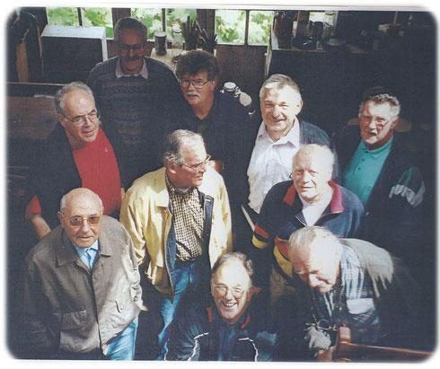 Les Pionniers de l'Association des Passionnés du Bois 44 en 2000