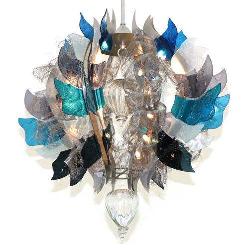 Kronleuchter aus Glas und Carbonfaserstoffen Henkenhaf-Stark