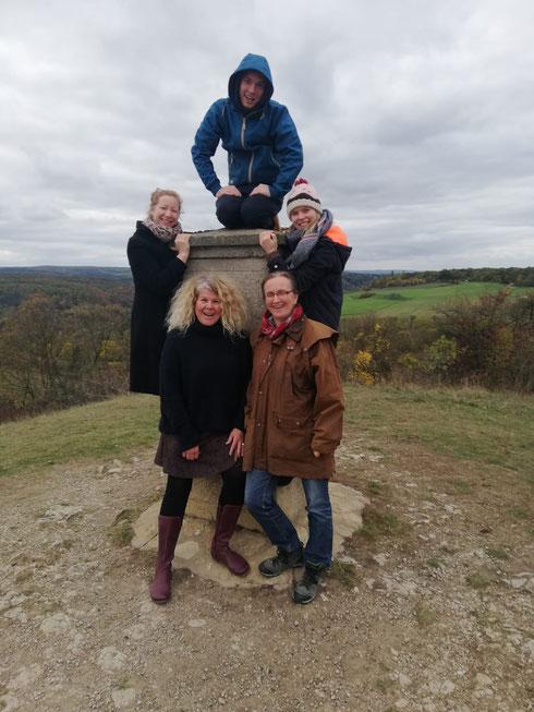 der neue Vorstand (v.l.n.r.): Franzi, Justi, Vili, Jana, Iris (Antje konnte leider nur telefonisch teilnehmen)