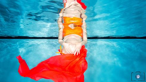 Bild: Babybauch Fotoshooting Unterwasser