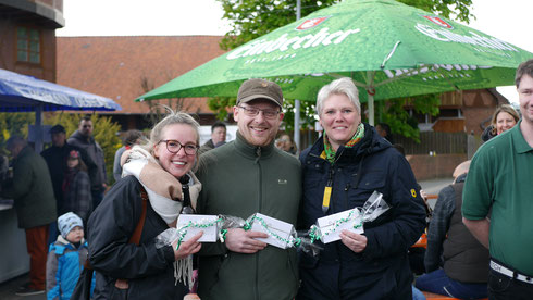 Siegerfoto von links: Franziska Walter, Oliver Breitenstein und Ulrike Schuchardt