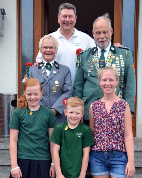 Majestäten 2018: Clara Nomrowski, Iustus Nomrowski, Maren Kanus, Karin Franke, Klaus Specht und Haralad Kernbach
