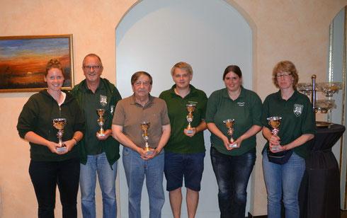 Die Gewinner des Abends: v.l. Carolin Hennies, Jürgen Schmidt, Hartmut Starke, Malte Kanus, Julia Diener, Silvia Aue