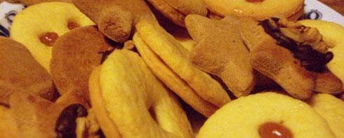 Frische gebackene Weihnachskekse von Mama Ohnewein