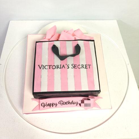 ビクトリアシークレット ショッピングバッグ型ケーキ