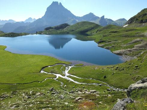 Un des lacs d Ayous vallée voisine