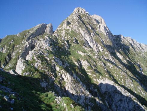 Le Bergon ( Ilhec) Niveau bon marcheur ,pratiquer régulièrement la randonnée en haute montagne