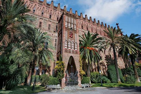 Гауди, шедевры в Барселоне - Колледж Терезианок