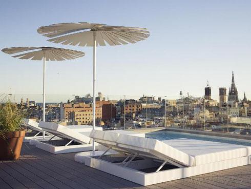 Отличные трехзвездочные отели в центре Барселоны - Yurbban Trafalgar Hotel
