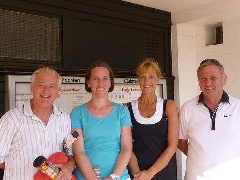 v.l. Peter, Anja, Barbara und Gerd