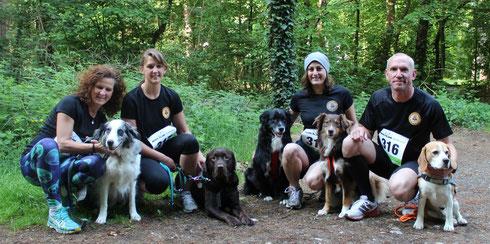 Unsere Teinehmer, von links nach rechts: Doro mit Cadeau, Steffi mit Acon, Tamara mit Heaven und Mayuma, Stefan mit Murphy