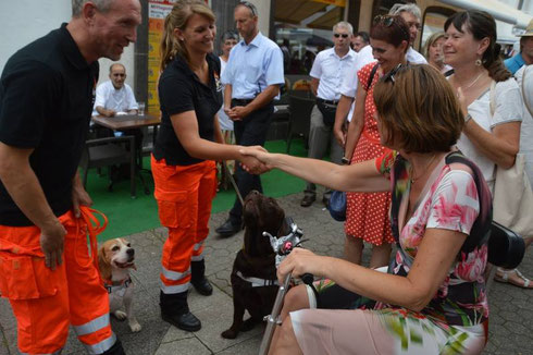 Unsere Mitglieder Stefan Eckert mit Murphy und Stefanie Wolf mit Acon hatten die Gelegenheit die Ministerpräsidentin Malu Dreyer in der  Nähe von unserem Stand zu begrüßen.