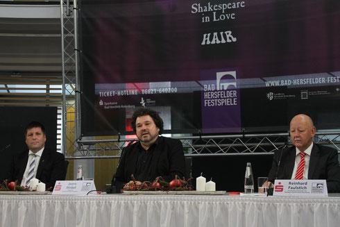 Thomas Fehling (Bürgermeister Bad Hersfeld), Joern Hinkel (Intendant Bad Hersfelder Festspiele) und Reinhard Faulstich (Sparkasse Bad Hersfeld-Rotenburg) bei der Pressekonferenz am 5. November 2018 in Bad Hersfeld