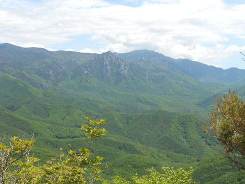 名峰 金峰山と瑞牆山