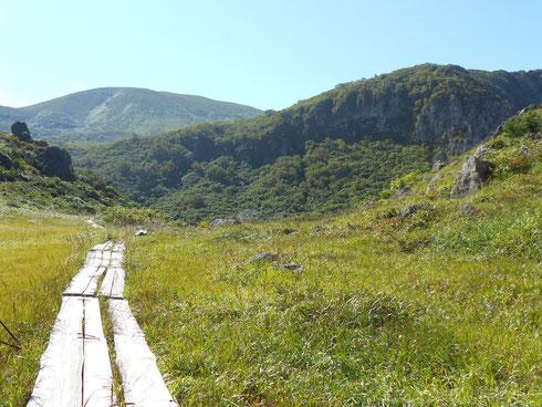 名残ヶ原から栗駒山(須川岳)へ向かう