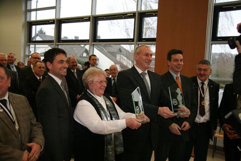 v.l.: Vorsitzender Jürgen Frensch, Staatssekretär David Langner, Leni Fries, Fred Pretz, MDL Biebricher, Kassierer Bernd Müller