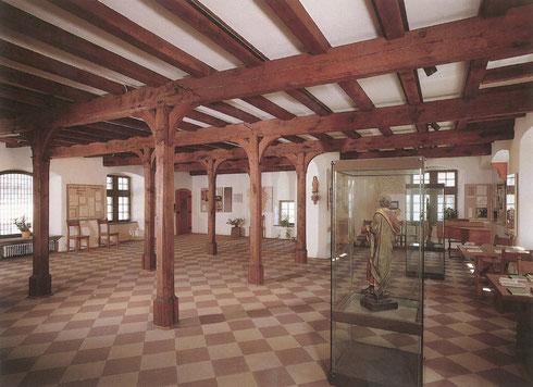Saal des Cusanus-Geburtshauses