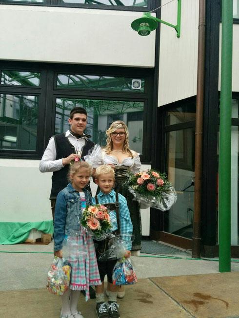 Prinzessin Melissa I. & Prinz Sergej I. und Kinder Prinzenpaar Julia und Leo
