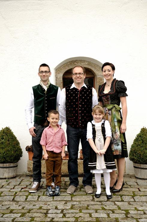 Das Pockinger Prinzenpaar 2015: Prinz Christoph (Huber) und Prinzessin Julia (Weiss)