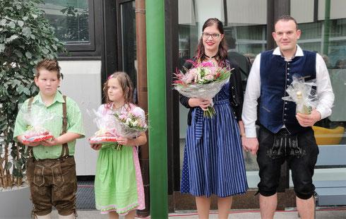 Prinzessin Lara I. & Prinz Stefan I. und Kinder Prinzenpaar Lina und Simon