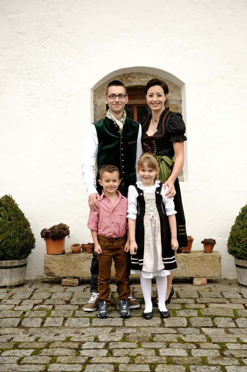 Kinderprinzenpaar Jasmin I. & Nico I. und Prinzenpaar 2015 Julia II. & Christoph II.