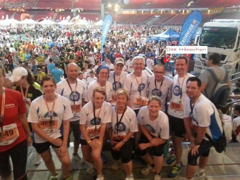 Siegerfoto Team Tüv Süd & Das Häppchen  Firmenlauf 25. Juli 2013