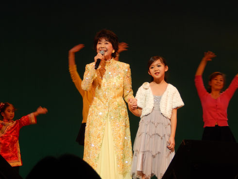 著名歌手芹洋子