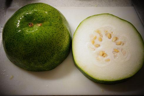 沖縄産の冬瓜を買ったよ♪