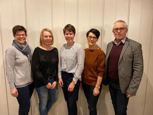 von links nach rechts: Petra Brandl (Schriftführer), Conny Bremberger (Stellvertretung), Nina Weisbrod (Abteilungsleiterin), Jutta Friedl (Kassier), Klaus Weisbrod (ehemaliger Abteilungsleiter)