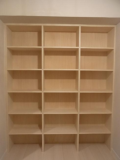 本棚 取り付け完了