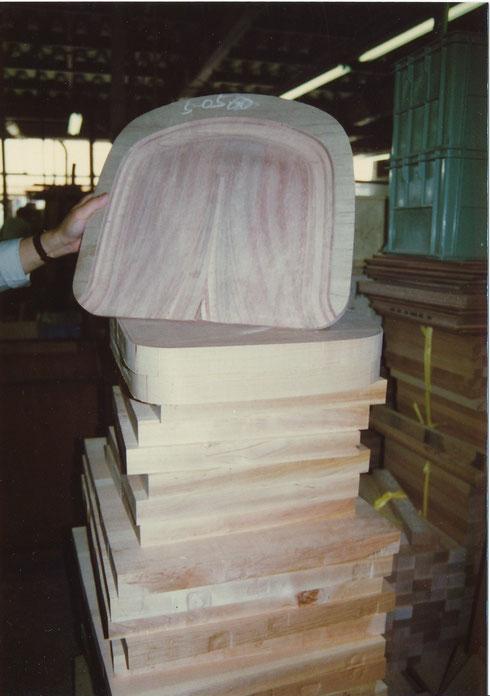 同 椅子 座面の曲面加工