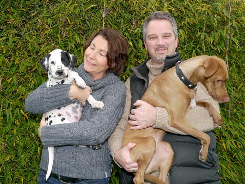 Der brave Emil genießt sein Leben nur wenige Kilometer von uns entfernt bei Famlie Jacoby und Mila...