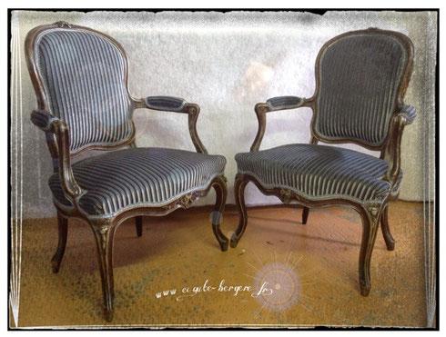 Paire de fauteuils Louis XV patinés - Tissu Stick Lelièvre et lézarde Houlès