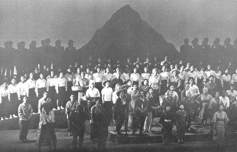 歌劇「沖縄」-開幕の大合唱