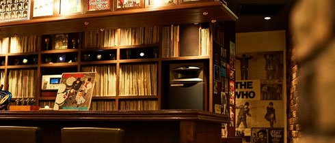 record bar 33 1/3 rpm 店内