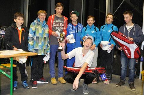 Die Spieler der U14-Kategorie. Camen freut sich über den Sieg (Mitte).