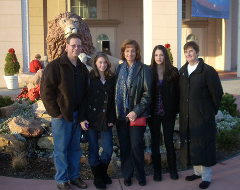 2013 A Family Group Poses in Front of the Lion & Lamb at Sight & Sound Theatre