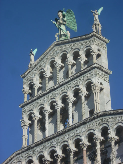 2012 Lucca - This Gorgeous Facade of San Michaele has an Animated Angel on Top