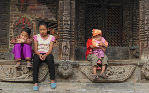 2013 A group of children waiting in Patan's Durbar Square