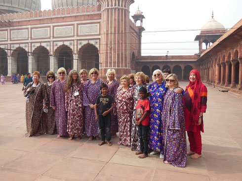 2013 Women in our Group wear robes for modesty at Jama Jasjid Mosque in Delhi