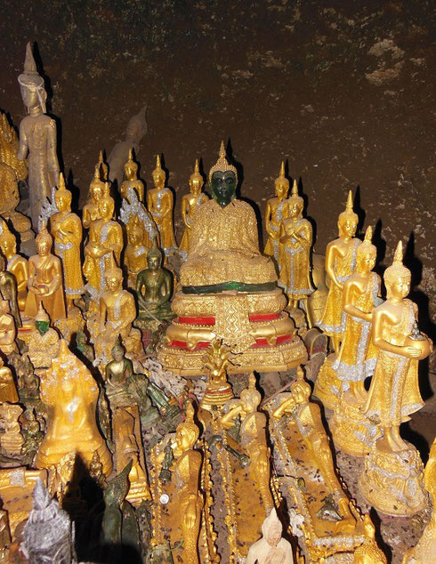 2015 Images in this part of Pak Ou Caves include a Stunning Jade and Gold Buddha