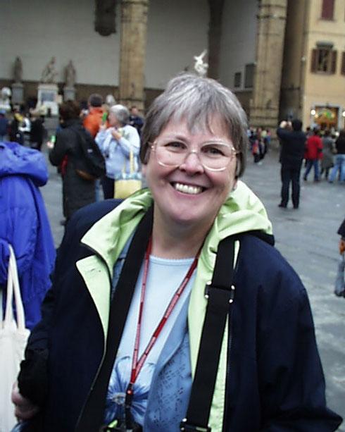 2005 A Big Smile for the Photographer in the Middle of Piazza della Signoria