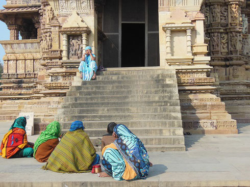 2013 Pilgrims rest before worshipping at Jagdambi Temple in Khujaraho