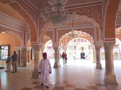 2013 The Interior of a pavilion in the First Courtyard of the Jaipur City Palace