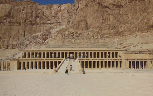 2016 The Valley Temple of Hatshepsut Lies Just over the Ridge from The Valley of Kings