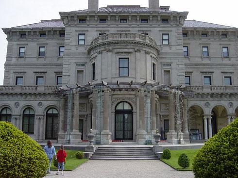 The 70-Room Vanderbilt Mansion was built between 1892-95 by Richard Morris Hunt