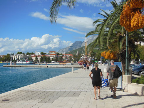 The Shop-Lined Cornice at Makarska is a Great Place to have Lunch with a Glass of Wine