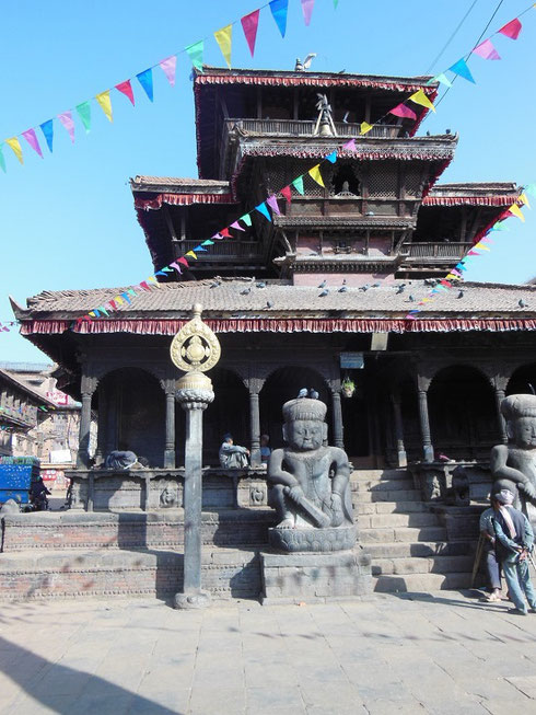 2013 Bhaktapur Dattatraya Temple was built in 1427 using the timber from a single tree