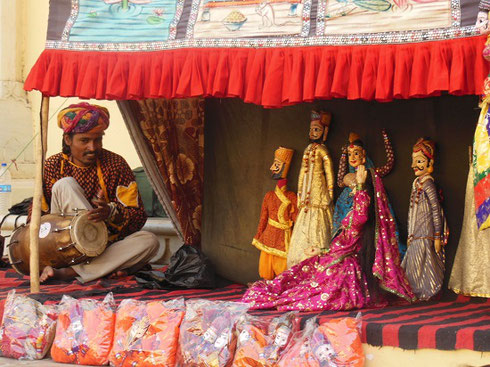 2013 A Puppet Show in one of the Courtyards at the Jaipur City Palace