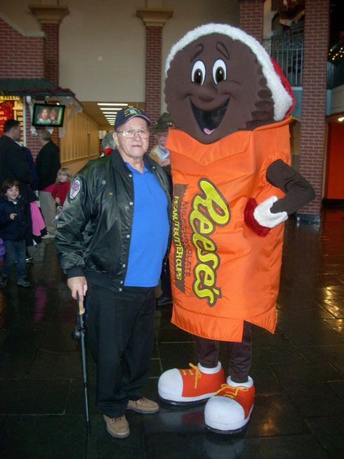 2011 Hershey's Chocolate World has Lots to Do and See - Here Reese's Comes Alive